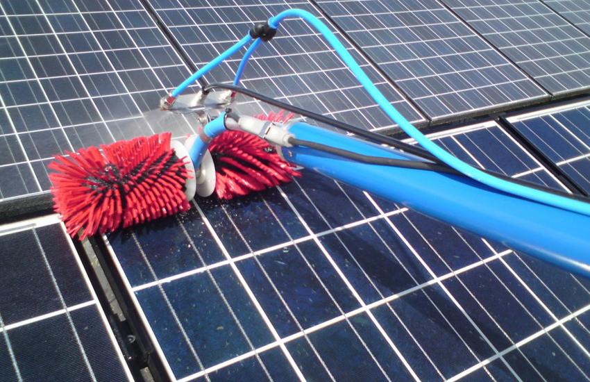 Pulizia moduli fotovoltaici