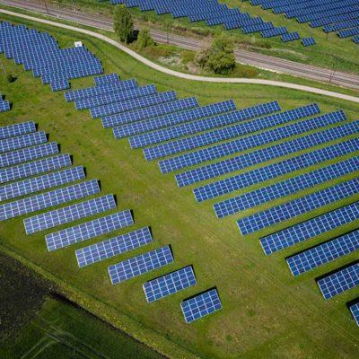 I migliori pannelli fotovoltaici aziendali: caratteristiche e tecnologie